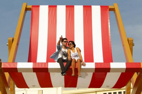 Merveilleux Article 1332452471300 124901C8000005DC 384947_466x310 The Worlds Largest  Beach Chair 7008989883_a53da30f9f_o