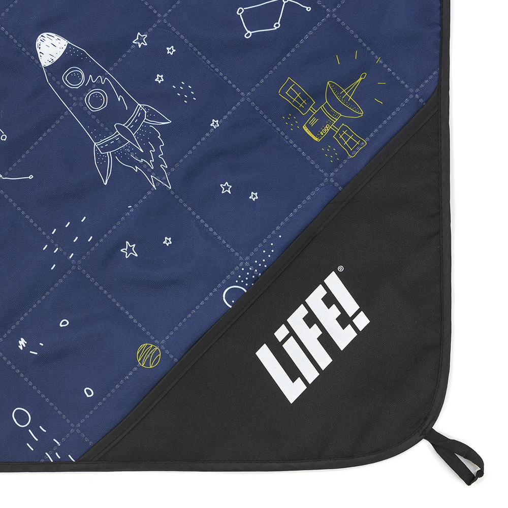 Close up of the privacy pocket on the space buddy adventure mat